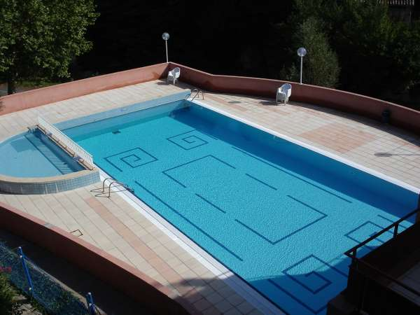 Aude cathare piscine de rennes les bains for Piscine thermale